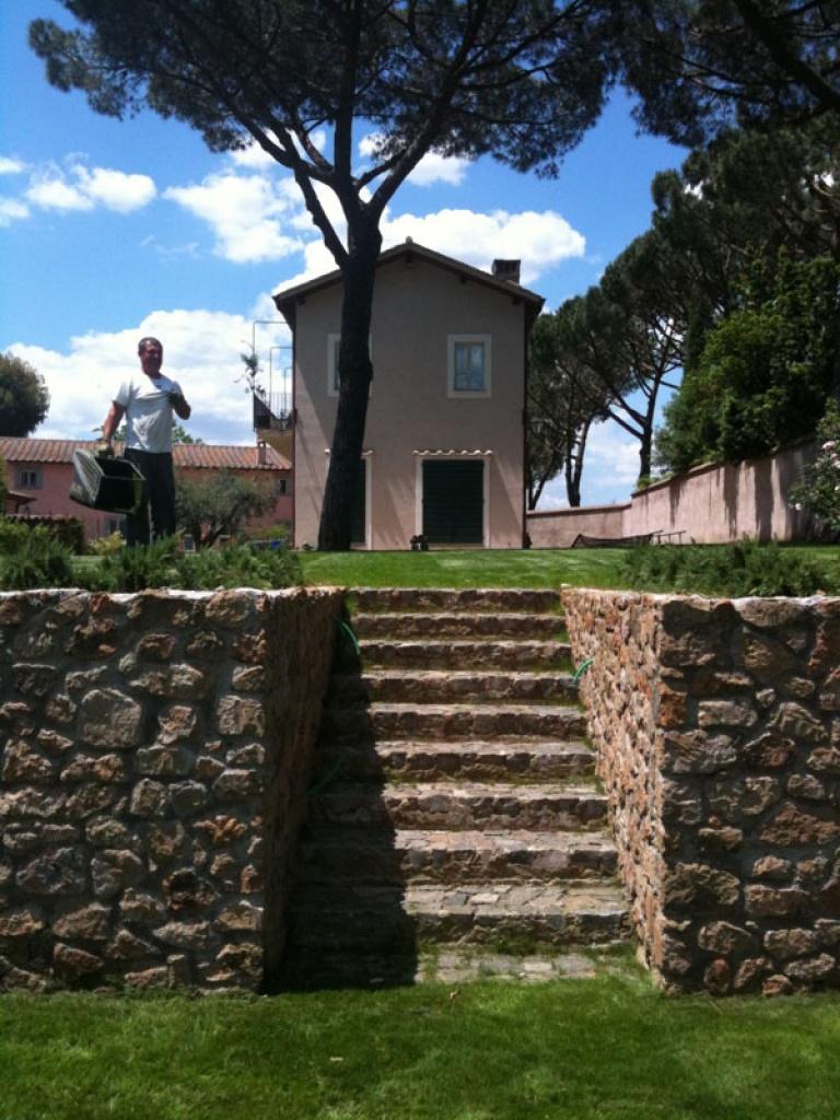 Ristrutturazione di un giardino preesistente zona for Progettazione giardini lavoro